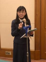 杉浦眞里子雑誌委員長